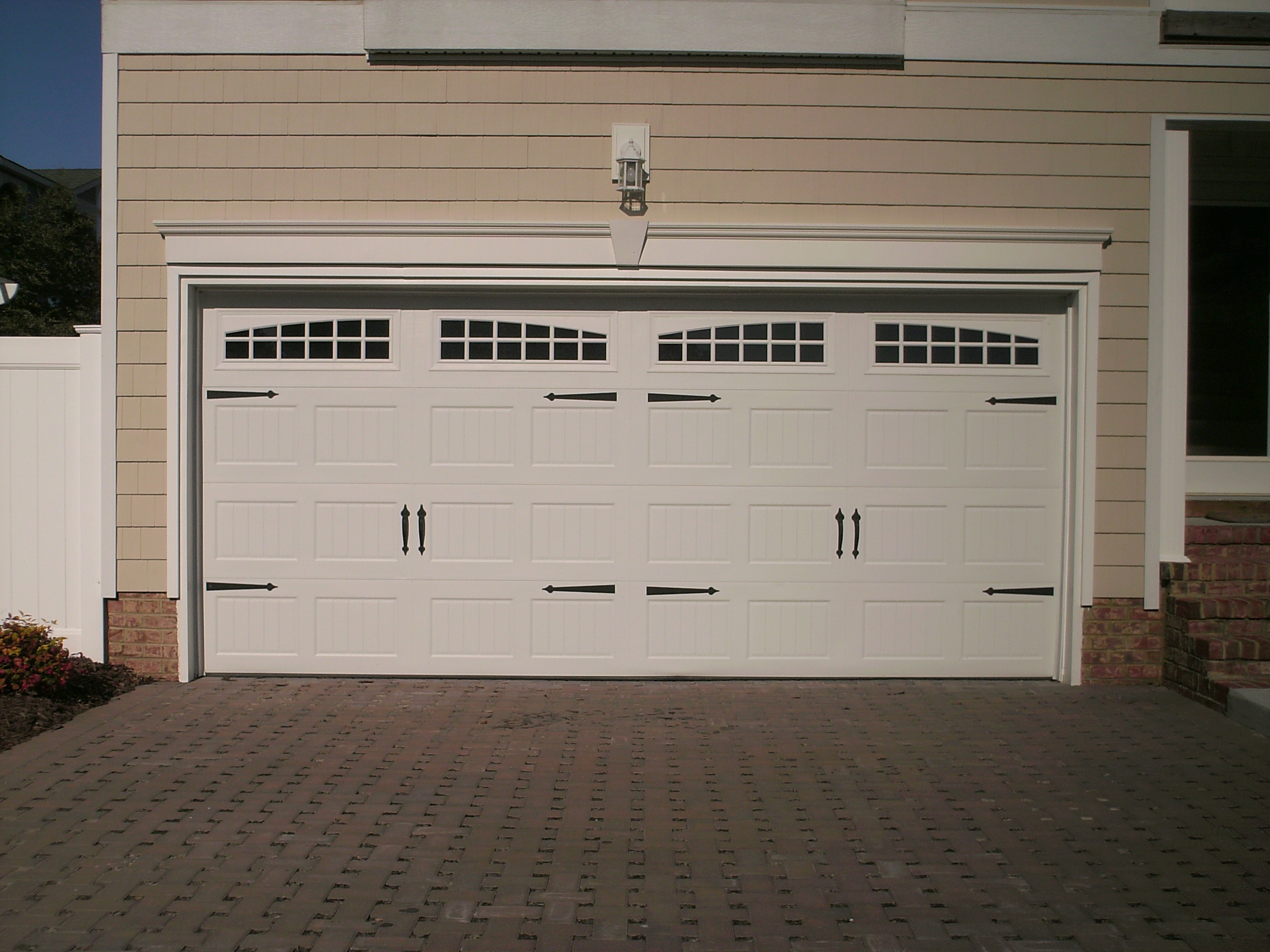 Pella garage doors vs clopay ppi blog for Clopay garage door colors
